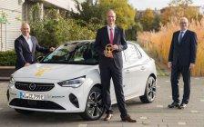 Opel Corsa-e je víťazom prestížnej ankety Zlatý volant 2020