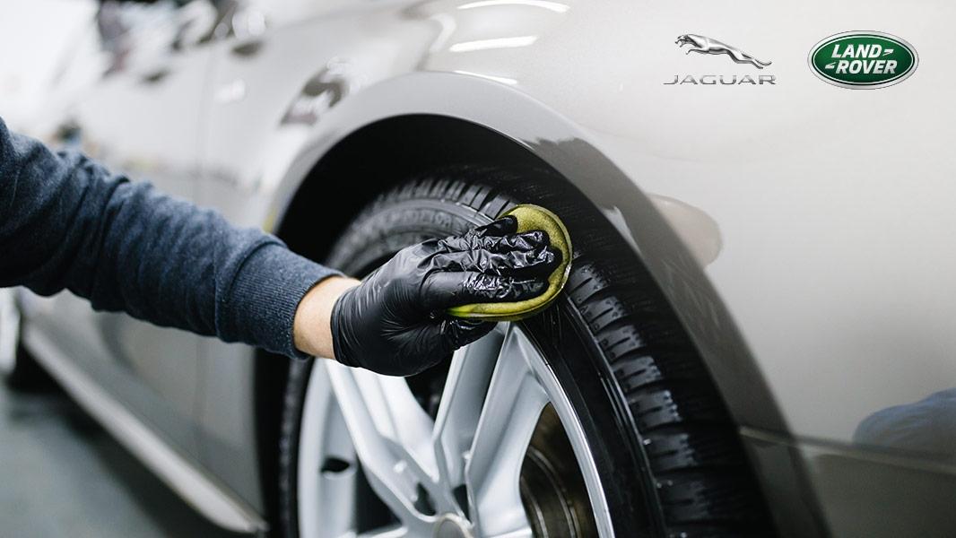 Kompletné umytie avyčistenie vozidla
