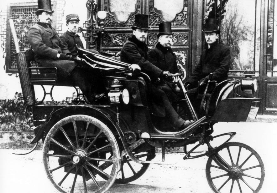 Prvé auto značky Peugeot parná trojkolka