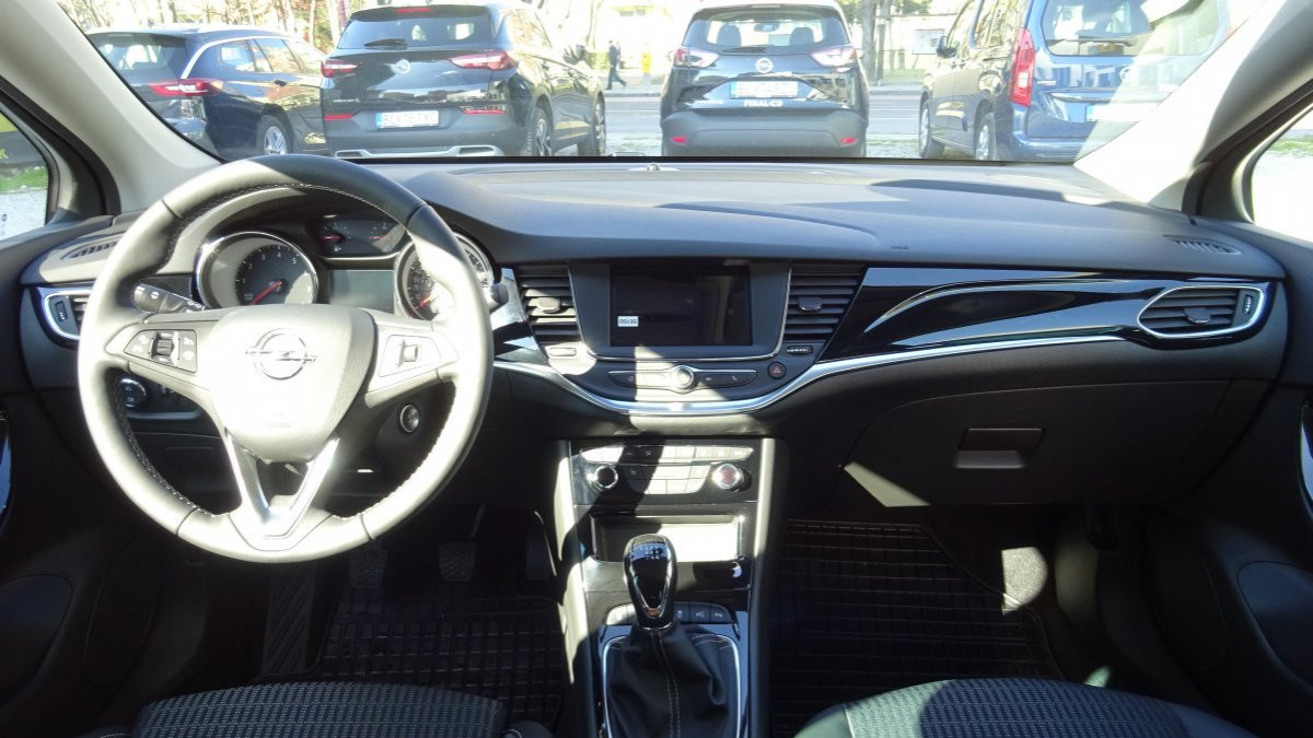 Opel Astra NEW 1,2 Turbo Elegance MT6