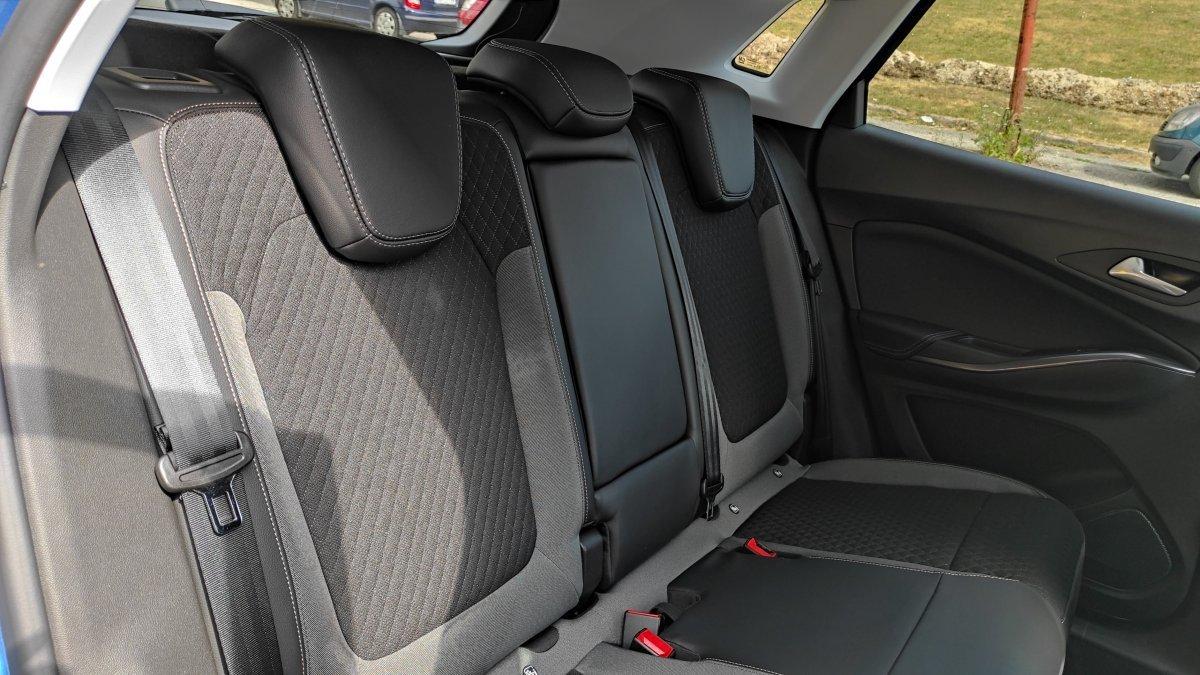 Opel Grandland X Hybrid 1.6 TURBO Ultimate AT8 4x4