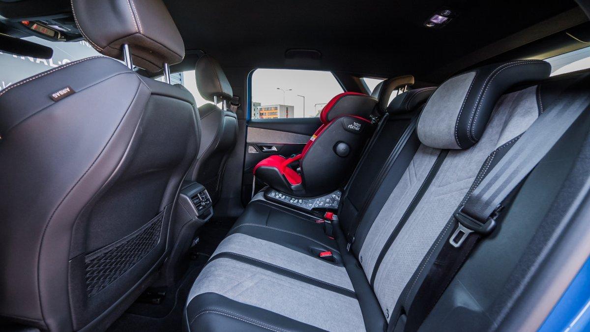 Peugeot 3008 NEW 1.6 PureTech GT HYBRID4 300k e-EAT8