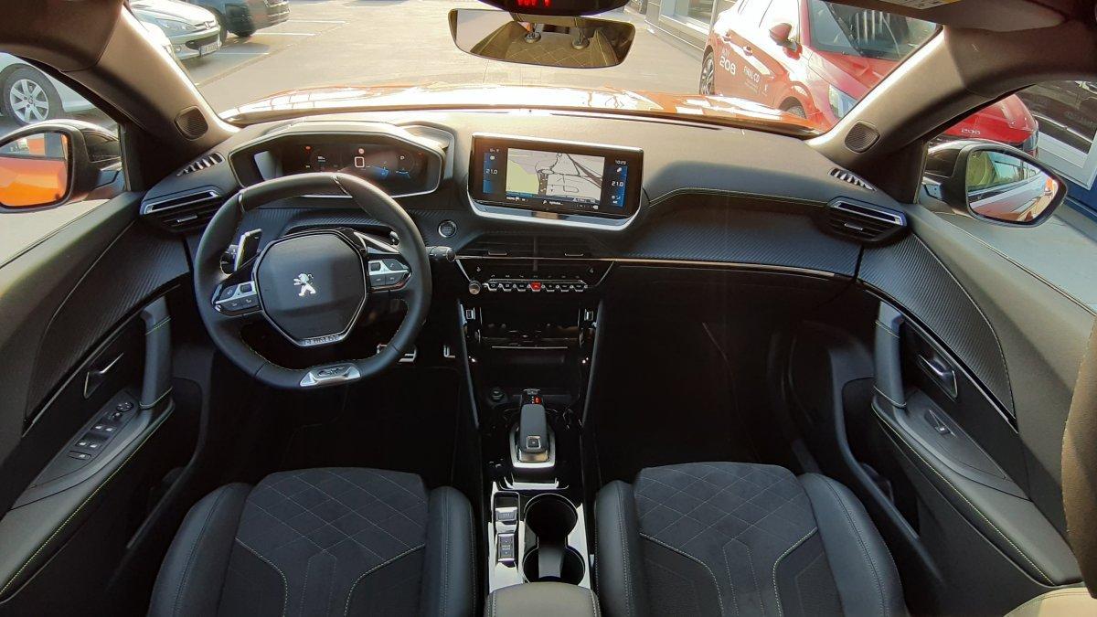 Peugeot 2008 NEW 1,5 BlueHDi GT 130k EAT8
