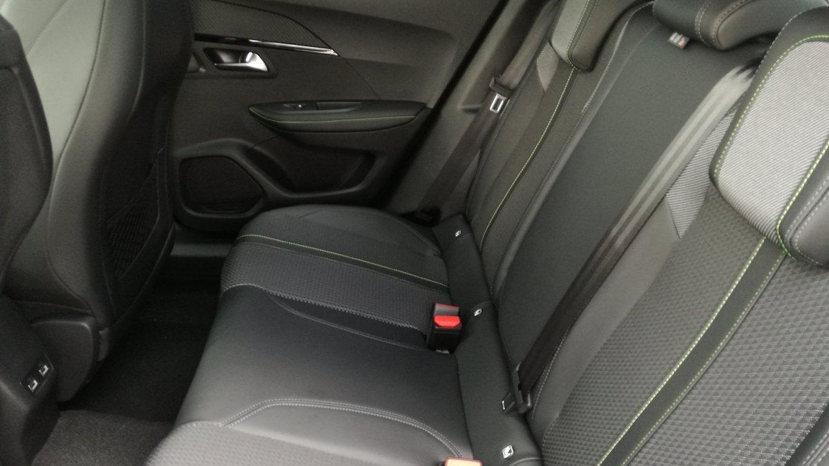 Peugeot 2008 NEW 1.2 PureTech GT