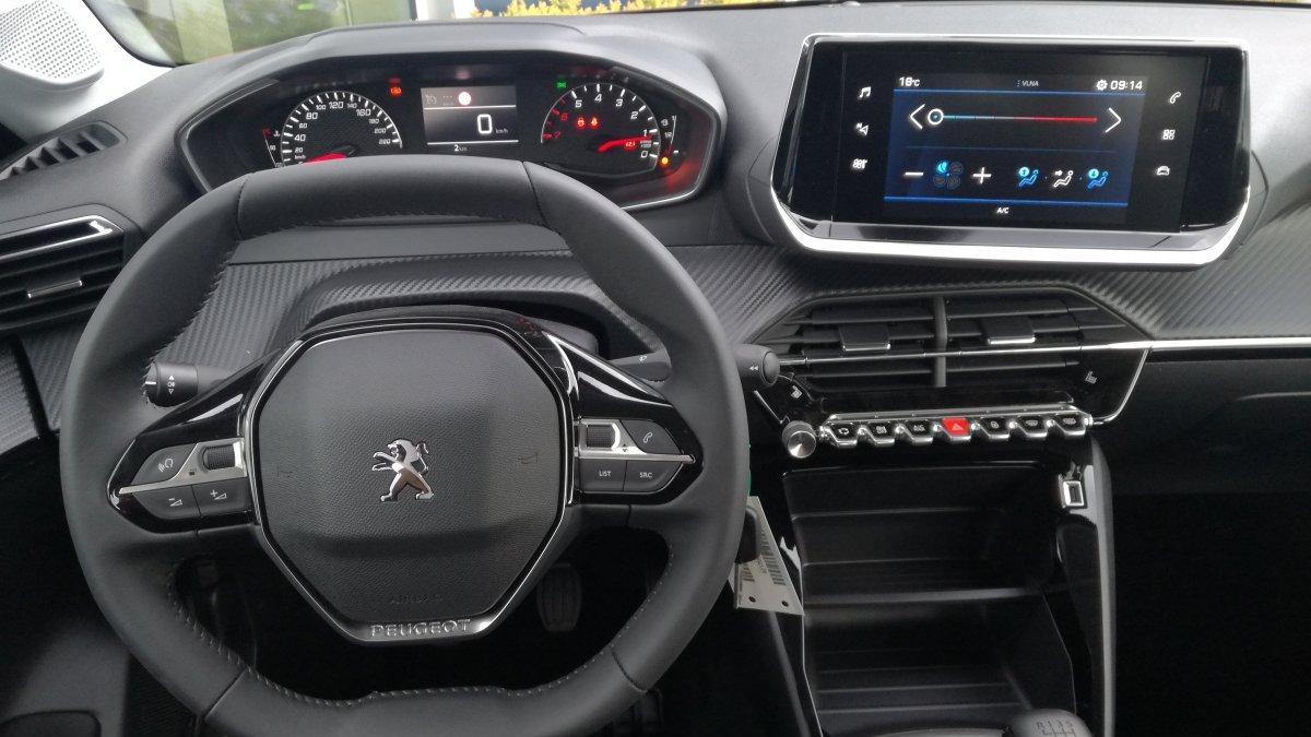 Peugeot 208 NEW 1.2 PureTech ACTIVE PACK, automat
