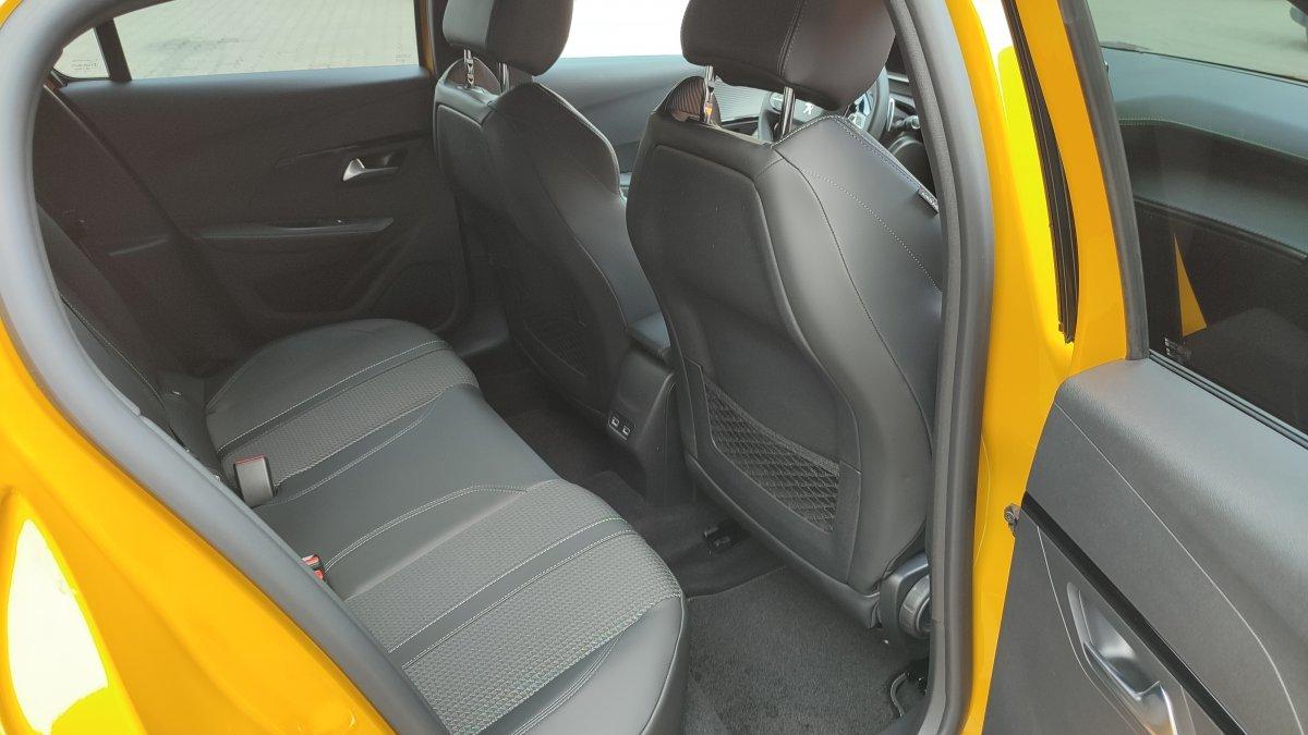 Peugeot 208 NEW 1.2 PureTech GT