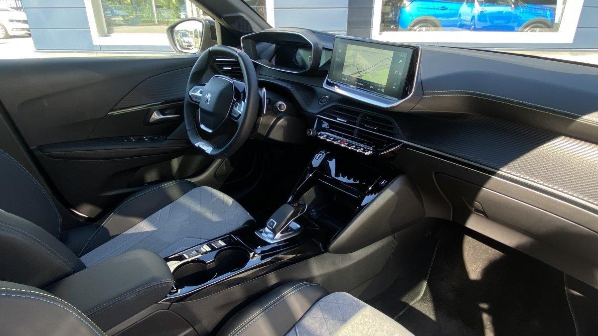 Peugeot 208 NEW 1.2 PureTech GT Pack 100k EAT8