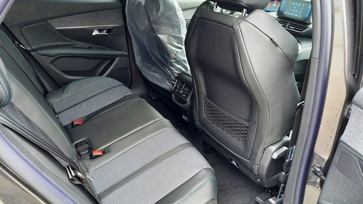Peugeot 3008 NEW 1,5 BlueHDi ALLURE PACK 130k EAT8