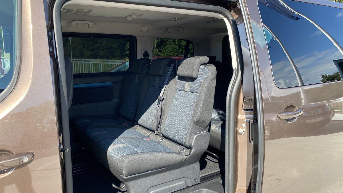 Peugeot Traveller 2,0 BlueHDi ACTIVE L2  150k BVM6 - 8 miestne