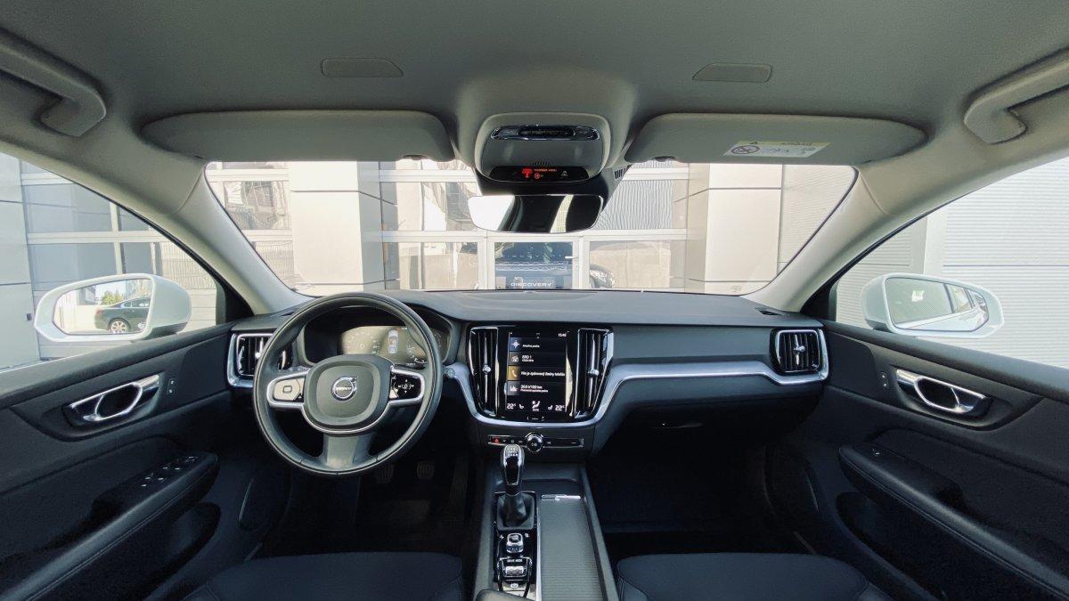 Volvo V60 D3 MOMENTUM MT6 FWD
