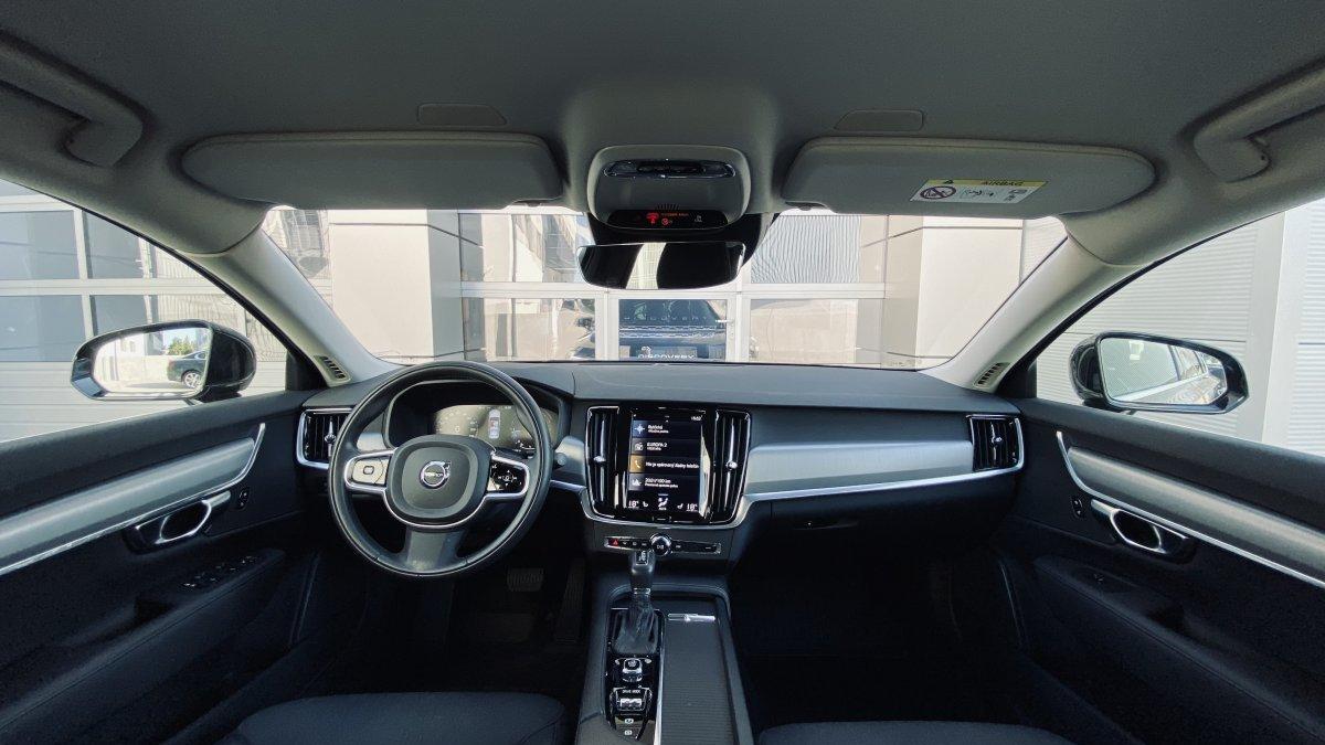 Volvo S90 D4 MOMENTUM AT8 POLESTAR