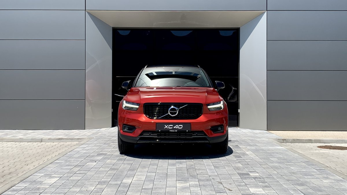 Volvo XC40 T5 Recharge R-Design AT7 FWD
