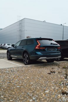 Volvo V90 CROSS COUNTRY B5 (D) Pro AWD AT8