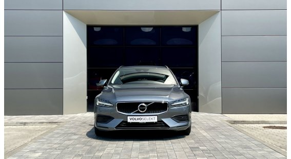 Volvo V90 D4 MOMENTUM AT8 FWD